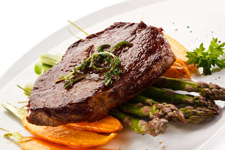 beefsteak: Grilled beefsteak with asparagus