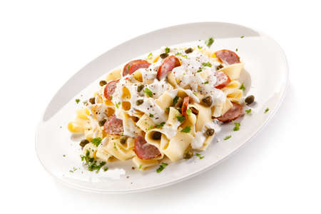 macarrones: Pasta with sausages and vegetables