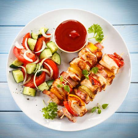 케밥 (Kebab) - 구운 육류와 야채