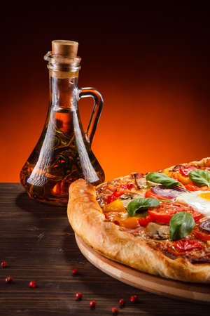 champignons: Pizza with egg and mushrooms Stock Photo