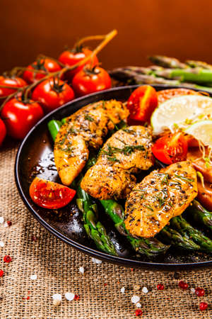 Grilled chicken strips and vegetables