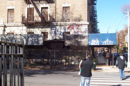 Picture of a condemned building around the corner from my old apartment