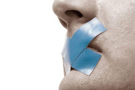 obey: Censurado Hombre con cinta azul en la boca. Tonos de la imagen. Aislado en blanco.