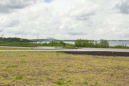 Rossii.Arhetekturnye city monuments and attractions. Quay\ Nefteyugansk.