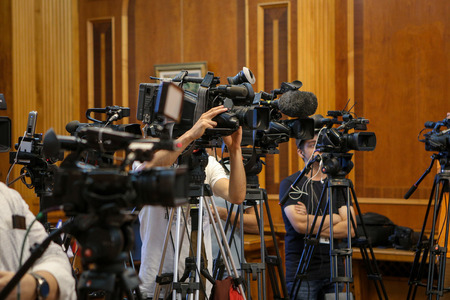 Details with television video cameras and recording equipment during a press event Standard-Bild - 129582695