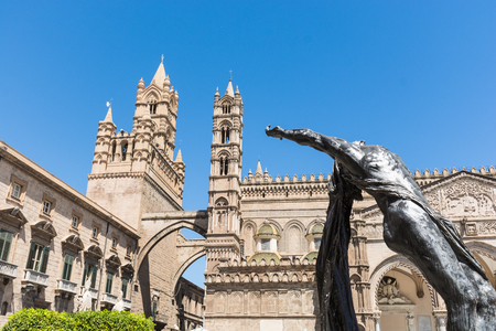 Palermo Cathedral, is a place of Catholic worship, archbishop of the Archdioce the Arab and Norman Way of Palermo, Cefalù and Monreale. Stok Fotoğraf