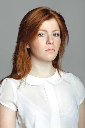 jeune fille adolescente nue: Élégant jeune femme Métis européenne - Image Banque d'images