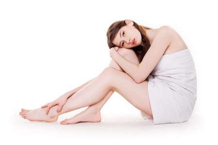 jeune fille adolescente nue: Jeune belle femme avec de belles jambes à Spa Image