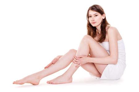jeune fille adolescente nue: Jeune belle femme avec de belles jambes � Spa Image