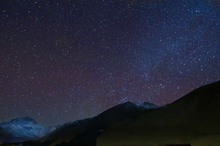 Mt. Everest with the Milky Way from the Tibetan Base Camp 免版税图像