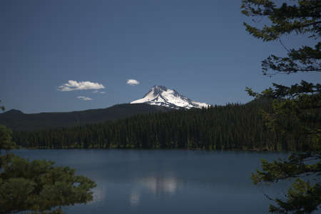 Olallie Lake with Mount Jefferson - one of the Waypoints on the Pacific Crest Trail in Oregon _6049