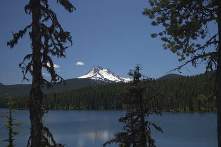Olallie Lake with Mount Jefferson - one of the Waypoints on the Pacific Crest Trail in Oregon _6048