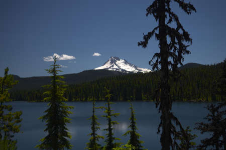 Olallie Lake with Mount Jefferson - one of the Waypoints on the Pacific Crest Trail in Oregon _6047