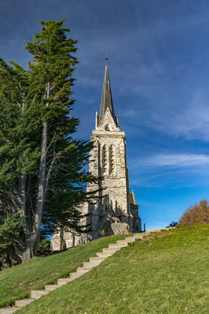 Beautiful historic cathedral built in stone, tourist heritage of the city of Bariloche 版權商用圖片