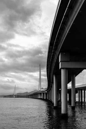 dragline: shenzhen, bay, bridge, links shenzhen and hongkong Stock Photo