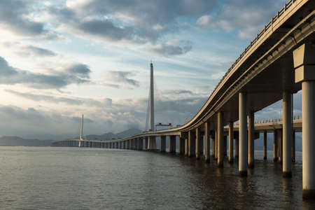 dragline: Shenzhen Bay Bridge, the oversea bridge links shenzhen and Hongkong