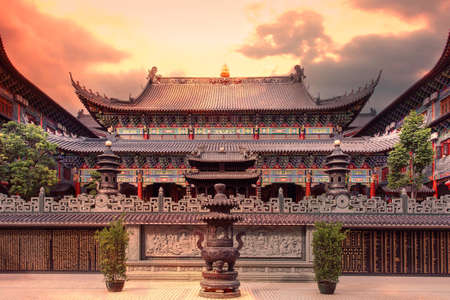 ancient architecture: Shenzhen Dong Shan Temple Editorial