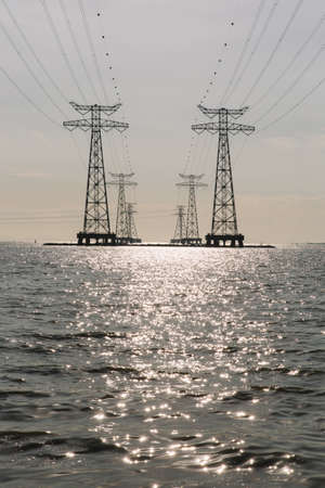 power delivery: Sea Towers