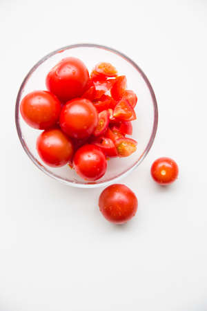 sudio: tomatoes in bowl