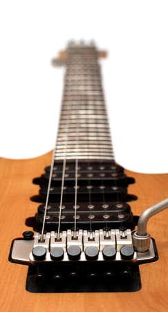 tremolo: Electric guitar pickups and bridge