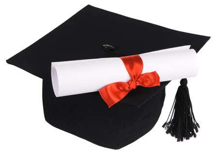 egresado: Gorro de graduaci�n negro aislado sobre fondo blanco
