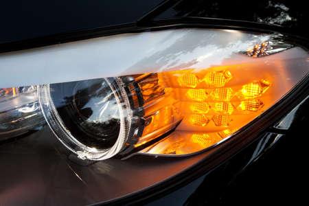 xenon: Modern coche faros de xen�n closeup foto