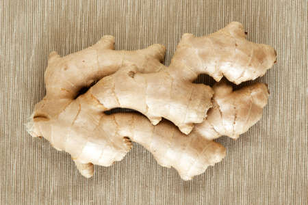 fresh ginger: Fresh ginger root cloesup