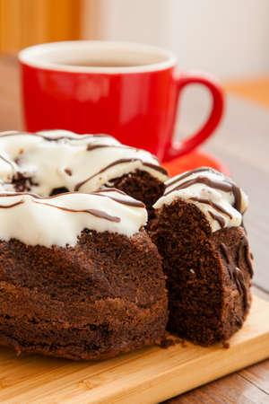 rum cake: T� caldo con torta still life rum