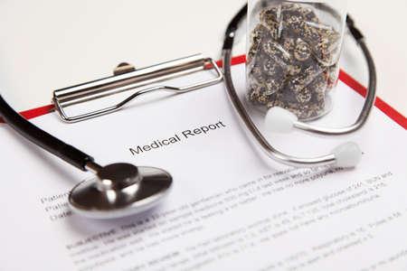 cardiogram: Generic ficticious medical report and cardiogram