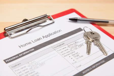 mortgage application: Mortgage application form and keys Stock Photo
