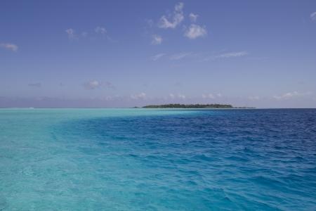 turquoise lagoon in french polynesia