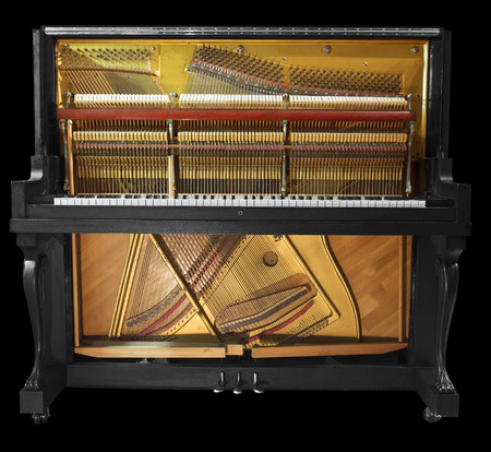 grand piano: Interior de un viejo piano