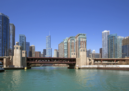 american midwest: View of Chicago from the river