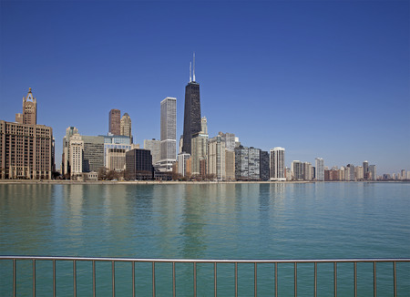 american midwest: View of Chicago from the pier