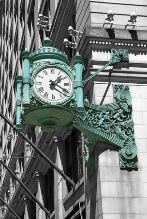 famous: Chicago famous old green clock