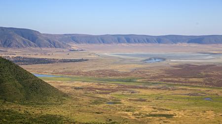 タンザニア ンゴロンゴロ クレーター広い視野