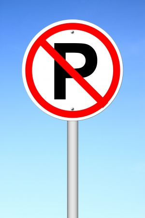 se�al parking: No hay se�ales de estacionamiento sobre un cielo azul