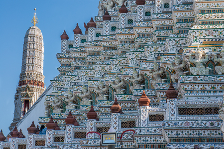 Closeup of the symmetrical decorations of Wat Arun, Bangkok Фото со стока