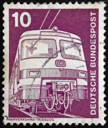 bundespost: German train - Briefmarken Eisenbahnmotive Deutsche Bundespost 1975, Nahverkehrs-Triebzug Stock Photo