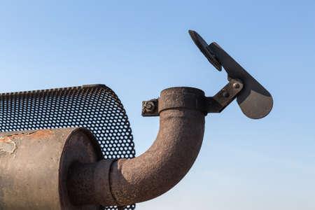 contaminacion acustica: Tubo de escape de la plataforma de perforaci�n de n�cleo.