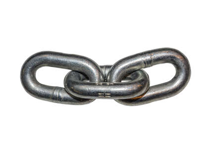 Metall Kettenglied isoliert auf weiß. Abstract: starkes Element. Hergestellt mit selektiven Fokus. Standard-Bild - 51012430