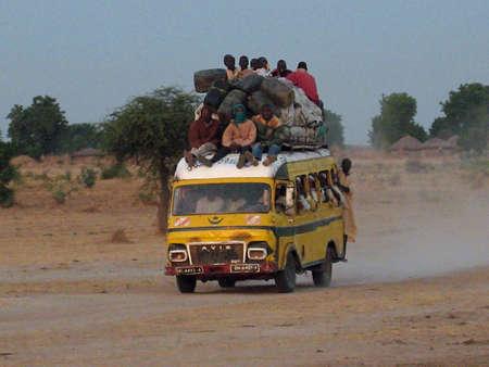 autobus bondés au Cameroun