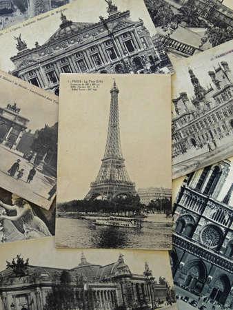 paris vintage: montón de tarjetas postales de época de París con la torre Eiffel