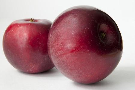 Two red apples on the white background Zdjęcie Seryjne