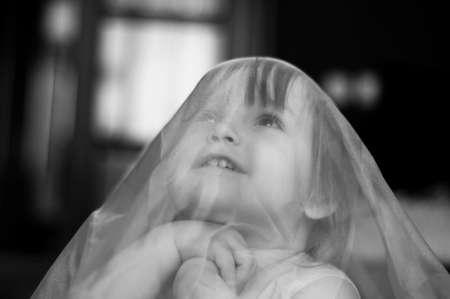 praying child black and white portrait Zdjęcie Seryjne