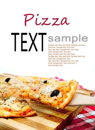stukken pizza op de snijplank Stockfoto