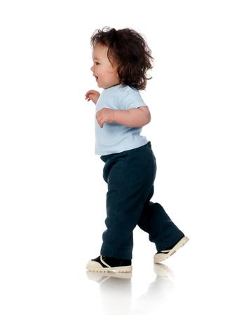 beyaz zemin üzerine sevimli bebek