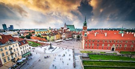 warszawa: Plac Zamkowy in Warsaw old town, Poland