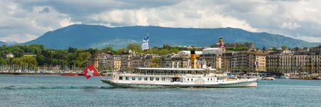Geneve, Schweiz - 11. Mai 2014: Schiff in See Genf, Schweiz