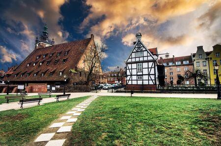 chocolatería: Histórico Millers Casa en la Isla Molino en Gdansk y otras casas antiguas en cener de Gdansk, Polonia